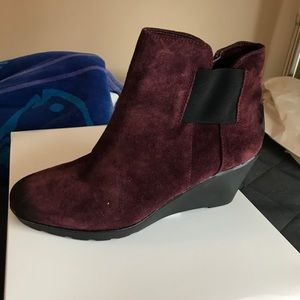 Naturalized boots